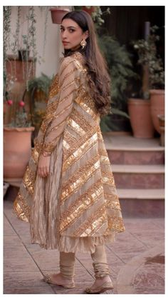 Pakistani Party Wear Dresses, Beautiful Pakistani Dresses, Desi Wedding Dresses, Shadi Dresses, Pakistani Wedding Outfits, Designer Party Wear Dresses, Pakistani Dress Design, Bridal Outfits, Modest Wedding
