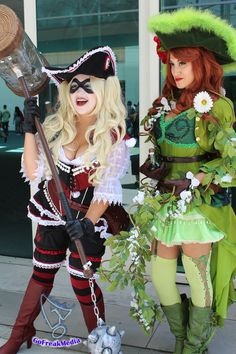 hotsexycosplay:  Poison Ivy and Harley Quinn are pirates at Comic-Con 2014 #SDCC