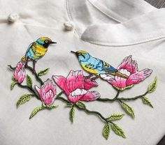 Birds with Flowers Blossom Tree Embroidered patch Sew On Patch Iron on patch Applique   Size : 18 cm X 9 cm     Quantity : 1 patch