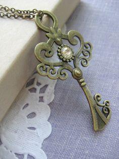 Vintage Skeleton Key Pendant Necklace