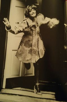 Loulou de la Falaise in London                              … Irish Fashion, 70s Fashion, Fashion Models, Vintage Fashion, 70's Style, Style Icons, Art Pics, Art Pictures, Ossie Clark