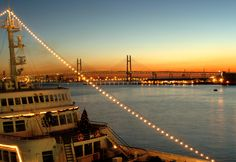 みなとみらい 横浜 サンセット 夕焼け sunset 船 海 ベイブリッジ