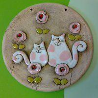 Cats + like + z + sugar + cotton wool + ceramic + picture + diameter + 15 + cm . - Cats + like + z + sugar + cotton wool + ceramic + picture + diameter + 15 + cm – ceramica – # - Polymer Clay Cat, Polymer Clay Projects, Pottery Sculpture, Sculpture Clay, Ceramic Clay, Ceramic Painting, Slab Pottery, Ceramic Pottery, Clay Magnets