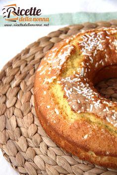 Ricetta ciambellone soffice colazione: 400g farina 00 250g zucchero 4 uova 1 bicchiere di latte 40g burro 1 bustina di lievito per dolci