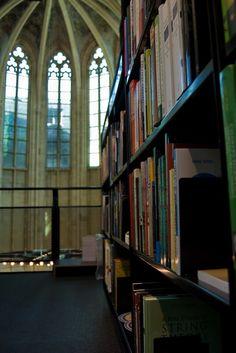 Galería de Librería dentro de una Iglesia / Merkx + Girod Architecten - 10