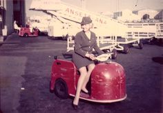 Ansett Australian Airlines, Cabin Crew, Flight Attendant, Good Old, Beautiful Outfits, Airplane, Planes, Aviation, Jet