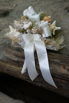 Seashell Bouquet / Beach Bouquet with out the white ribbon would be perfect