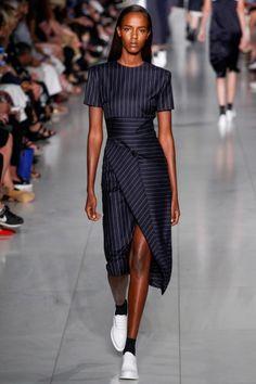 платье-футляр для работы от DKNY