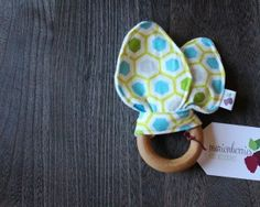 #sensory #rattle (and #crinklepaper !) #teether