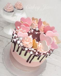 💖 Nothing says 'I Love You' like a heart-topped vanilla, strawberry and chocolate Neapolitan layer cake 💕 Cake Decorating For Beginners, Creative Cake Decorating, Birthday Cake Decorating, Creative Cakes, Beautiful Birthday Cakes, My Birthday Cake, Anniversary Cake Designs, Drippy Cakes, Christmas Cupcakes Decoration
