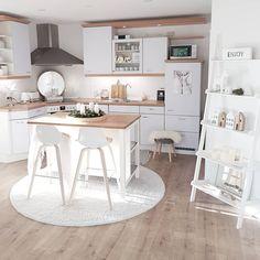 Sina Mum Decoration Diy ✂🔨👶👦❤ (sinas_home) • Instagram Posts, Videos & Stories #webstaqram • Hallo ihr Lieben, ich wünsche euch einen wunderschönen Dienstag. Bei uns zeigt sich heute mal die Sonne, das habe ich gleich für ein Bild ausgenutzt.💓 . Werbung wegen Markennennung und Markierung . . #kitchen #küche #whitehome #whiteliving #whitekitchen #nordichome #nordicliving #easyinterieur #mynordicroom #interiordesign #interior4all #westwing #mywestwingstyle #christmas #christmasdecoration…