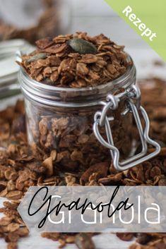 Mach dir doch mal dein persönliches Knuspermüsli mit deinen liebsten Zutaten.  Hier findest du ein einfaches Rezept, welches du ganz nach deinem Geschmack abwandeln kannst.  Probier's am besten gleich aus!