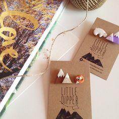 Schläfrig Fox und Berge Kragen Brosche von LittleDipperShop
