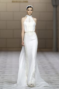 CICLAMEN dress. Atelier Pronovias 2015