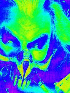 Portfolio Medeia : Kaupungin irwikuvia, liikkeessä. Mad Max, matkalla Dystopiaan. Siis tänne