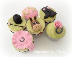 Super cute horse cupcakes
