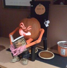 How pumpkin pies are made - hahaha!