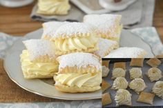 Apple Desserts, Dessert Recipes, Czech Recipes, Puff Pastry Recipes, Christmas 2015, Baked Goods, Camembert Cheese, Good Food, Food And Drink