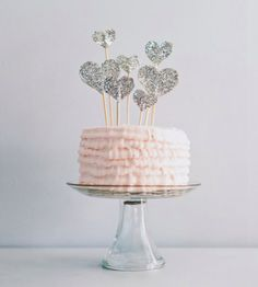 DIY Wedding Project: Glitter Cake Toppers | Bride Ideas