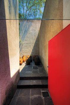 Barragán: 111 años del nacimiento del Pritzker mexicano - arquitectura - obrasweb.com                                                                                                                                                                                 Más