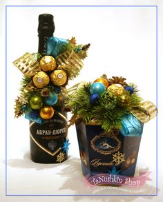 Всяко-разно новогоднее:))) Christmas Candy, Diy Christmas Gifts, Christmas Art, Christmas Wreaths, Christmas Decorations, Christmas Ornaments, Craft Gifts, Diy Gifts, Wine Bottle Gift