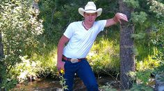 #Arkansas #Horse Trainer and country boy is killed in #police custody with a #stungun