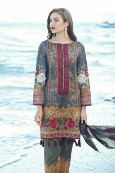 Simple Pakistani Dresses, Pakistani Fashion Casual, Pakistani Dress Design, Pakistani Outfits, Indian Fashion, Pakistani Clothing, Stylish Dresses For Girls, Stylish Dress Designs, Kurti Designs Party Wear