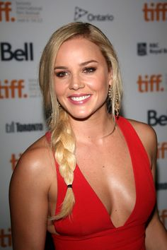 Abbie Cornish - Seven Psychopaths Premiere - 2012 Toronto International Film Festival - Photo 10