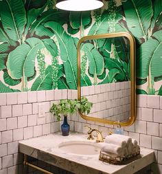 Home Decorating Style 2020 for 40 Lovely Jungle Bathroom Design Ideas, you can see 40 Lovely Jungle Bathroom Design Ideas and more pictures for Home Interior Designing 2020 2758 at Home To. Palm Wallpaper, Print Wallpaper, Wallpaper Ideas, Tropical Wallpaper, Funky Wallpaper, Botanical Wallpaper, Wallpaper Decor, Bad Inspiration, Bathroom Inspiration