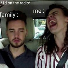 my dad is like every time one direction is on the radio changes and i put in one of my cds just to anoy him! my mom is like me lol.it is true One Direction Gif, One Direction Wallpaper, One Direction Pictures, Harry Styles Memes, Harry Styles Pictures, Harry Styles Songs, Imprimibles One Direction, Desenhos One Direction, Foto One