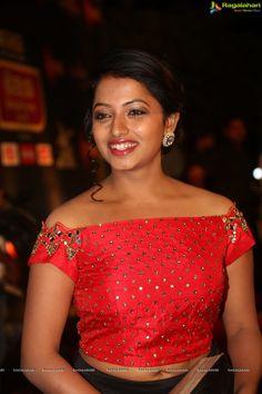 Telugu TV Actress Navya at Gemini TV Puraskaralu 2016   Tollywood Actress Posters