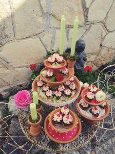 La Fleur Vintage: Elizabeth's Expert Advice: Terra Cotta Cake Plates & Candlestick Holders