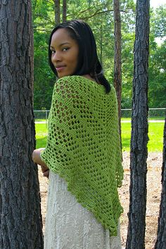 Dixie Charm - A Summer Shawl Yarn: Patons 'silk bamboo' 5 balls, #3 DK weight