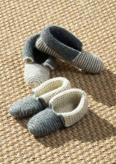 Tøfler Slipper Boots, Slippers, Socks, Inspiration, Fashion, Threading, Biblical Inspiration, Moda, Fashion Styles