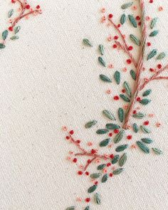 Embroidery On Clothes, Learn Embroidery, Embroidery Needles, Silk Ribbon Embroidery, Hand Embroidery Patterns, Embroidery Applique, Cross Stitch Embroidery, Embroidery Designs, Christmas Embroidery