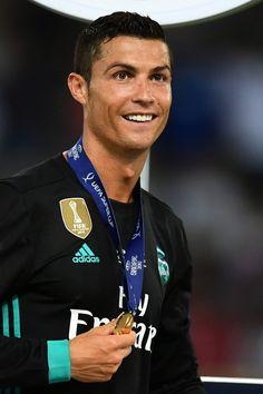 Cristiano Ronaldo with golden medal, arena Philip II, Skopje, Macedonia Cr7 Ronaldo, Ronaldo Football, Football Memes, World Football, Ronaldo Photos, Chelsea, Uefa Super Cup, Ronaldo Real Madrid, Cristiano Ronaldo 7