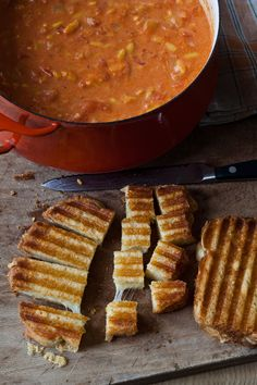 The perfect lunch for a chilly November day --Easy Tomato Soup & Grilled Cheese Croutons