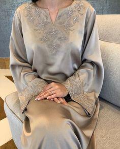 Ideas Punjabi Bridal Lengha Saree For 2019 Abaya Fashion, Muslim Fashion, Fashion Dresses, Punjabi Fashion, Emo Fashion, Mode Abaya, Mode Hijab, Bridal Lehenga Choli, Lengha Saree