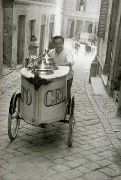 From Torino to Rome, the Italia Gelato Tour celebrates traditional gelato-making in May and June Gelato Ice Cream, Ice Cream Cart, Ice Cream Parlor, Vintage Photographs, Vintage Photos, How To Make Gelato, Italian People, Italian Life, Vintage Italy