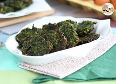 For all the spinach lovers out there, this recipe is for you! - Recipe Starter : Easy spinach fritters by PetitChef_Official Beignets, Pesto, Food Obsession, Cooking Tips, Broccoli, Food To Make, Healthy Snacks, Mozzarella, Food And Drink