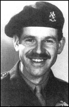 Captain 'Harry' Bestebreurtje, Dutch liaison officer, attached to the staff of General James M. Gavin during Operation Market Garden. Battle Of Normandy, Operation Market Garden, Parachute Regiment, Organic Gardening Magazine, Dutch East Indies, British Army, Military History, World War Ii, Wwii