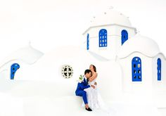 Sotiris Tsakanikas is available in Athens, Greece for Wedding photo shoots. Discover Sotiris's photography on KYMA.