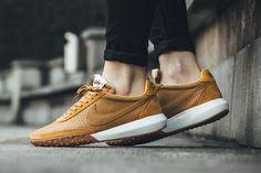 """Nike WMNS Roshe Waffle Racer NM Premium """"Desert Ochre/Team Orange"""" - EU Kicks Sneaker Magazine"""
