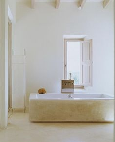 Produktion Thomas Niederste-Werbeck JannePeters Dreamy home in , Mallorca ,Balearic islands (Spain) called La Cascada and shot by Janne Peters. Love, love the mood here, so peaceful, zen, and re-energizing