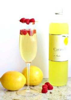 Limoncello Prosecco Cocktail is a beautiful light sparkling summer cocktail. Pop… Limoncello Prosecco Cocktail is a beautiful light sparkling summer cocktail. Popular as a wedding drink, girls night out, special event or dinner party refreshment. Limoncello Cocktails, Cocktails Champagne, Prosecco Cocktails, Cocktail Drinks, Frozen Cocktails, Easy Cocktails, Cocktail Recipes Homemade, Homemade Food, Cocktails