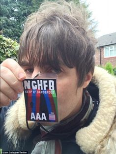Liam Gallagher puts feud behind him to watch Noel's band perform #dailymail