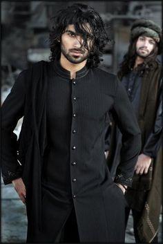 Shalwar Kameez in black tunic ensemble Fashion Male, Indian Men Fashion, Mens Fashion, Groom Fashion, Arab Fashion, Sporty Fashion, Fashion Wear, Middle Eastern Men, Mens Ethnic Wear