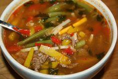 Ruokasurffausta: Itämainen kasvis-jauhelihakeitto