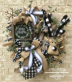 Wreaths make a great decoration for your home or as a gift for someone who appreciates and loves all things handmade by a designer. Custom Wreaths by Rosemarie helps you create beautiful, handmade wreaths for your home from Pearland, Texas. Christmas Love, Homemade Christmas, Christmas Holidays, Wreath Crafts, Diy Wreath, Wreath Ideas, Farmhouse Christmas Decor, Rustic Christmas, Fall Crafts