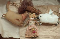 primitive vintage grungy fabric dolls on wannabeiceling.com